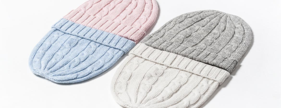100-cashmere-baby-cable-hat-colors-and-details.jpg ... 084bc1e7d58