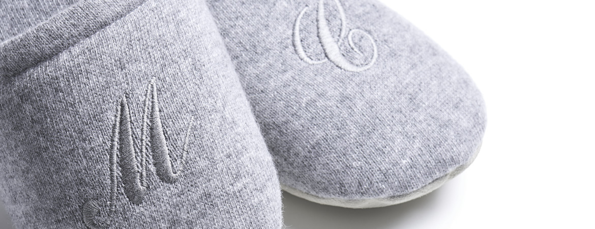 "Unisex Pure Cashmere Slippers""  />