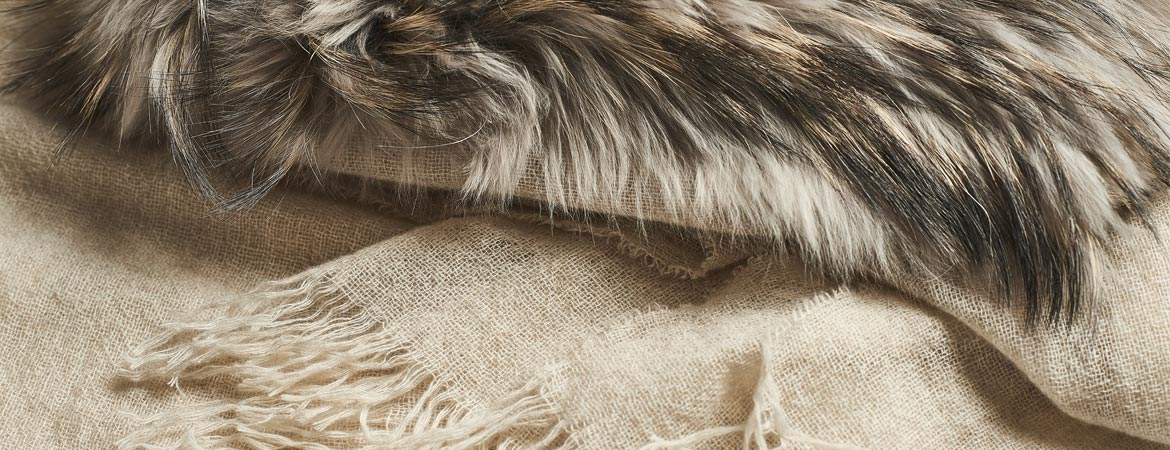"cashmere stole with fur""  />